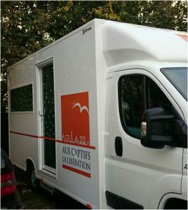 Camion de l'association pour les maraudes