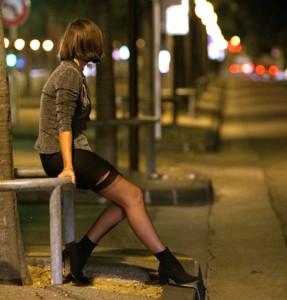 Femme prostituée à Paris